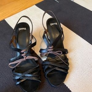 CAMPER strappy black leather sandals w/block heel